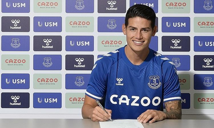 James Rodriguez trong buổi lễ ký hợp đồng với Everton. Ảnh: EvertonFC.