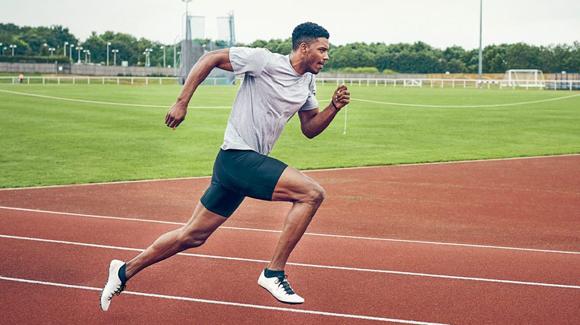 Tempo run là bài tập hiệu quả trong việc cải thiện tốc độ. Ảnh: Healthline.