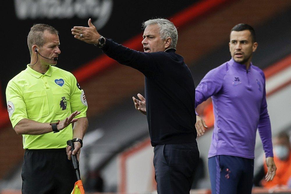 Mourinho từng chỉ trích khi Man City thoát án cấm dự Cúp châu Âu. Ảnh: AP.