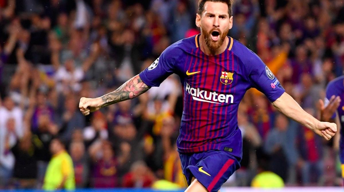 Trong 12 năm, Messi và Ronaldo liên tiếp giành 11 danh hiệu Quả bóng Vàng (Messi 6 lần, Ronaldo 5 lần). Ảnh: Shutterstock.
