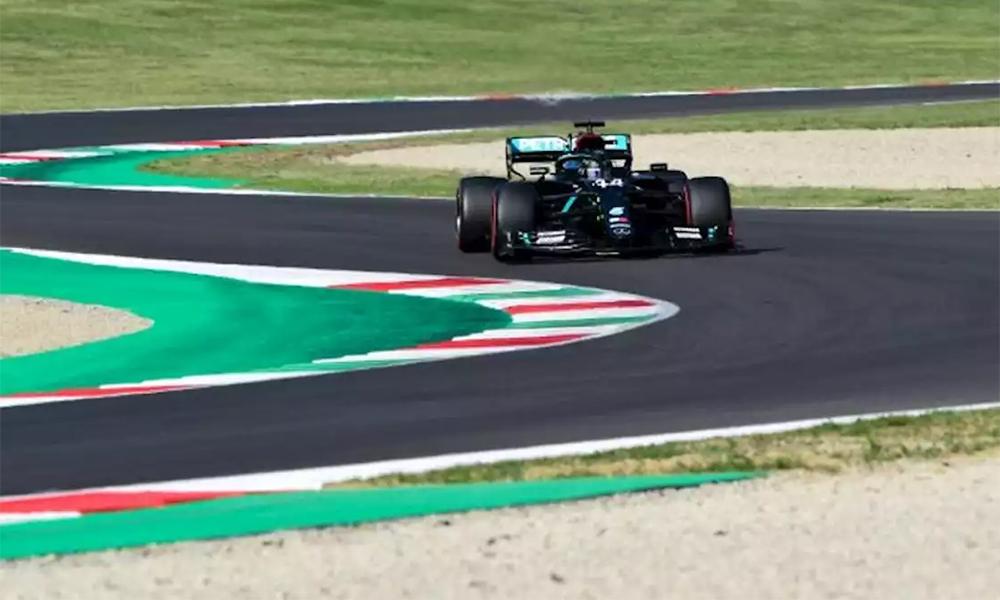 Sức mạnh động cơ, kinh nghiệm được phát huy đúng lúc và cả may mắn giúp Hamilton đạt thành tích phân hạng cao nhất trên đường đua Mugello, Scarperia e San Piero, Italy hôm 12/9. Ảnh: Reuters