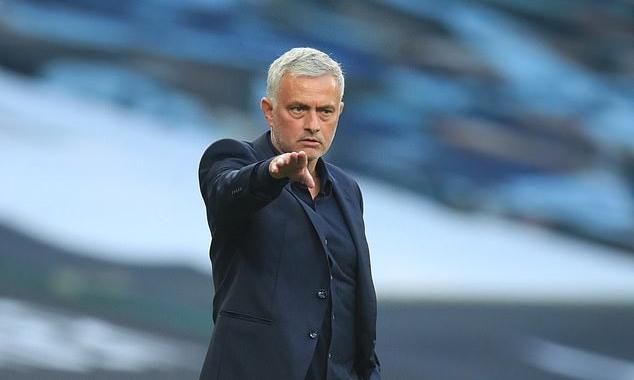 Mourinho vẫn chưa thể tạo ra một Tottenham ưng ý, dù cầm quân được 10 tháng. Ảnh: EPA.