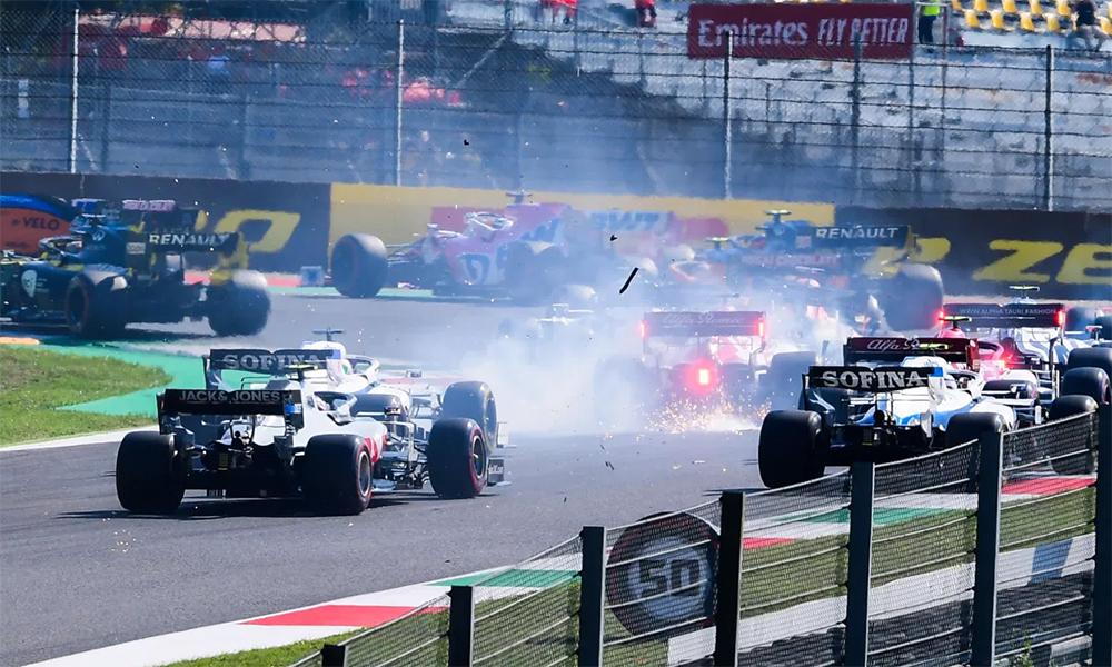 Hamilton về nhất trong chặng đua nhiều sự cố - 3
