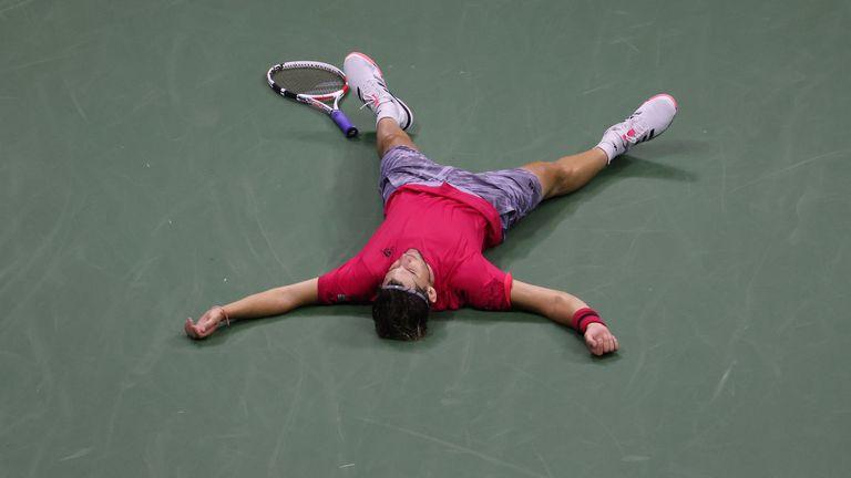 Thiem mừng chức vô địch Grand Slam đầu tiên. Ảnh: AP.