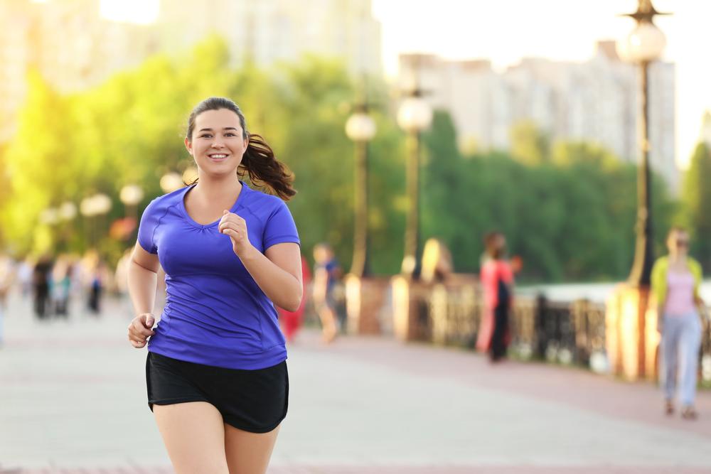 Chạy bộ kèm chế độ ăn hợp lý, ngủ nghỉ khoa học giúp runner quá khổ giảm cân nhanh. Ảnh: Shutterstock.
