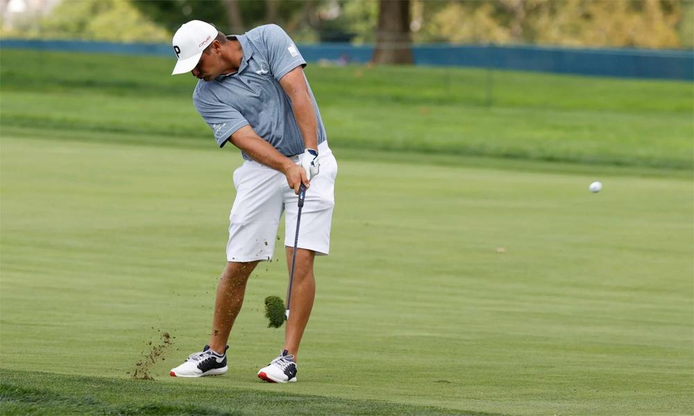 Bryson DeChambeau đánh tập trên sân Winged Foot hôm 15/9, trước thềm US Open. Ảnh: USGA