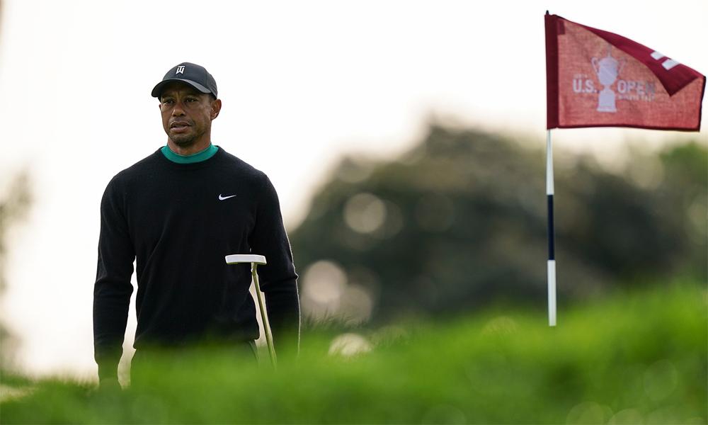 Tiger Woods trên green hố 11 sân Winged Foot khi đánh tập chuẩn bị US Open cho 15/9/2020 ở New York. Ảnh: AP