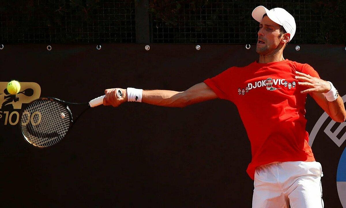 Djokovic tập luyện hôm 15/9, trước thềm trận ra quân ở Rome Masters. Ảnh: RTE