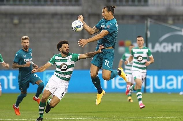 Ibrahimovic tiếp tục chứng tỏ duyên ghi bàn trong màu áo Milan. Ảnh: Reuters.