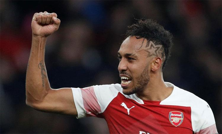 Aubameyang chấp nhận bỏ qua cơ hội dự Champions League để ở lại Arsenal. Ảnh: Reuters.