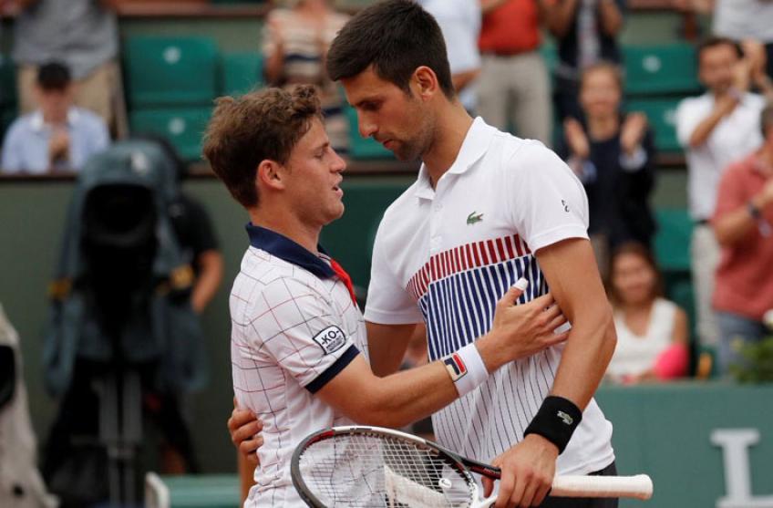 Djokovic thắng trong cả bốn lần đối đầu trước đây với Schwartzman. Ảnh: AP.