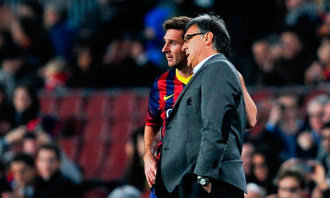 HLV Martino từng không được lòng Messi ở Barca. Ảnh: FCBN