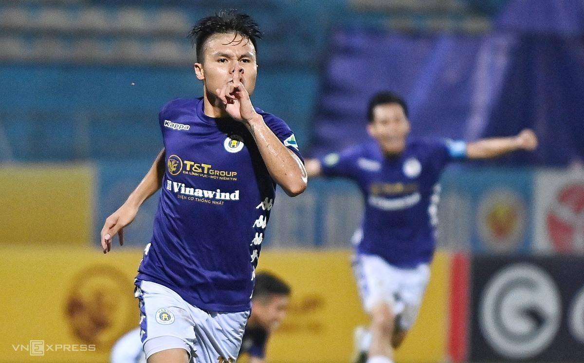 Quang Hải mừng bàn ấn định tỷ số 2-1 cho Hà Nội, trong trận chung kết Cup Quốc gia với Viettel. Ảnh: Giang Huy.