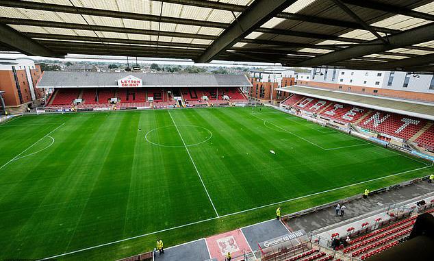 Sân nhà của Leyton, nơi tổ chức vòng ba Cup Liên Đoàn với Tottenham, hiện ngừng hoạt động. Ảnh: Reuters.