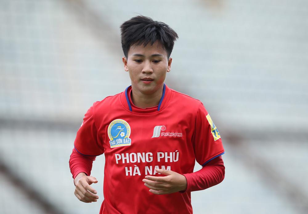 Tuyết Dung cho rằng sai lầm của trọng tài khiến Hà Nam rơi chiến thắng.