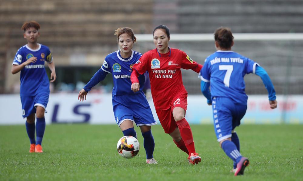 Chủ nhà Hà Nam bất ngờ để chiếu dưới Thái Nguyên cầm hoà 3-3 trận mở màn.