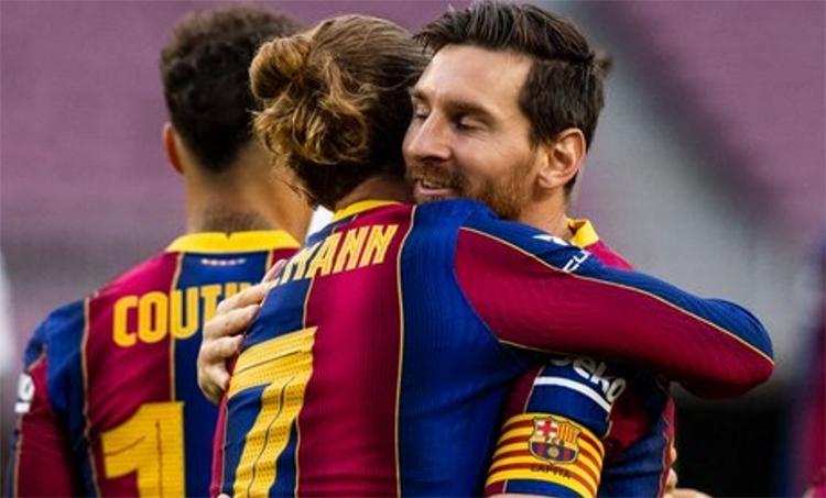 Griezmann và Messi sẽ thay nhau chơi trung phong. Ảnh: FCB.