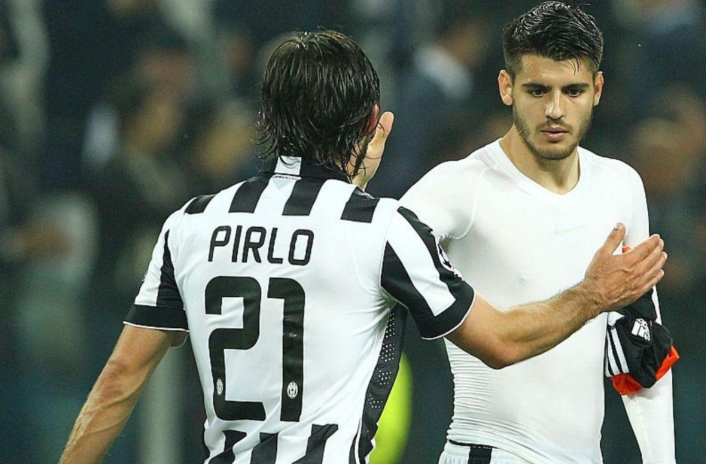 Pirlo chia vui với Morata sau một trận đấu của Juventus ở Serie A mùa 2014-2015. Ảnh: Juventus