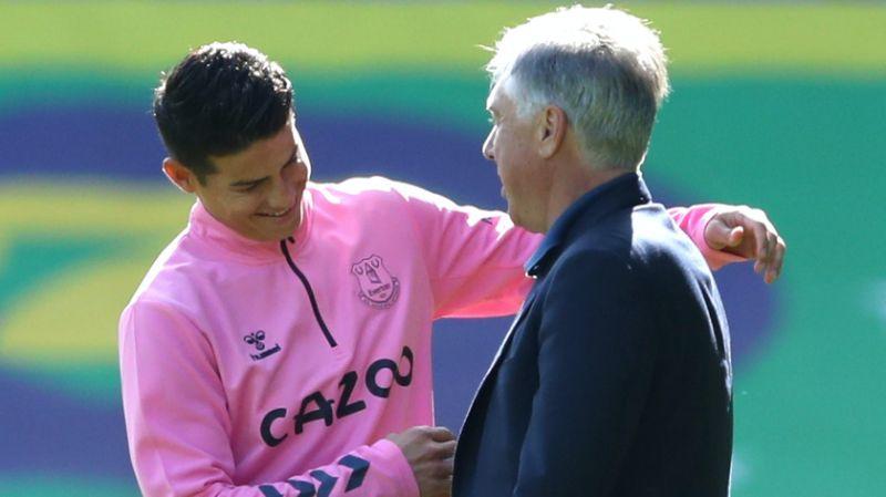 Ancelotti (phải) và Rodriguez xuất hiện ở Everton là giấc mơ của người hâm mộ. Ảnh: Reuters