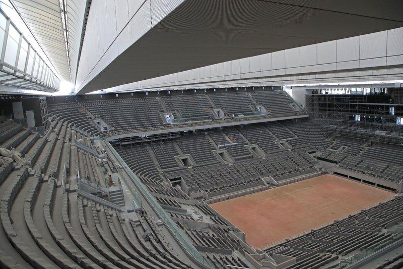Ảnh: Sân Philippe Chatrier chỉ hoạt động 1/15 công suất ở Roland Garros 2020. Ảnh: AP.