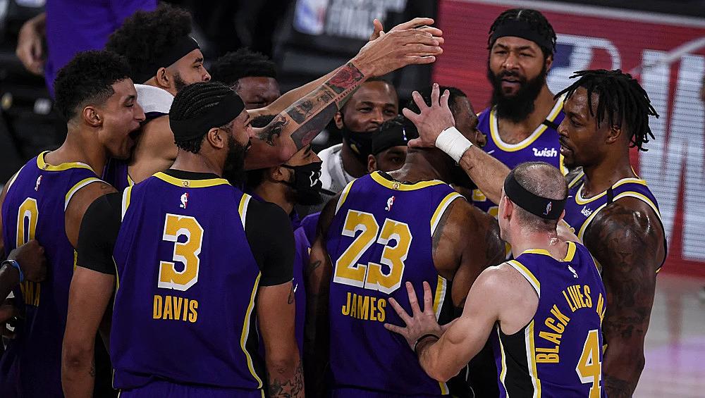 Lakers vào chung kết nhờ nguồn cảm hứng mang tên LeBron James (số 23). Ảnh: AP.