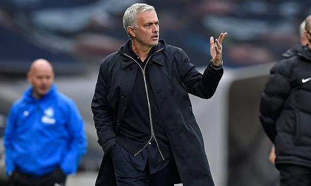 Tottenham của Mourinho bị cắt chuỗi thắng khi để Newcastle cầm hòa trên sân nhà. Ảnh: AFP.