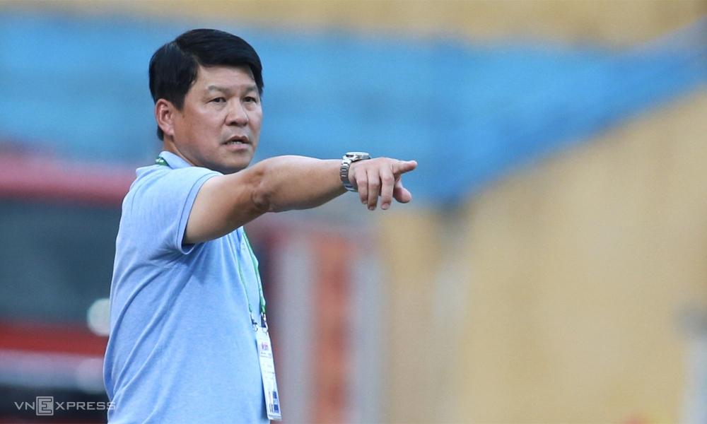Trước khi V-League nghỉ đợt hai vì dịch, Sài Gòn FC của HLV Vũ Tiến Thành vẫn rộng cửa vô địch. Ảnh: Lâm Thỏa.