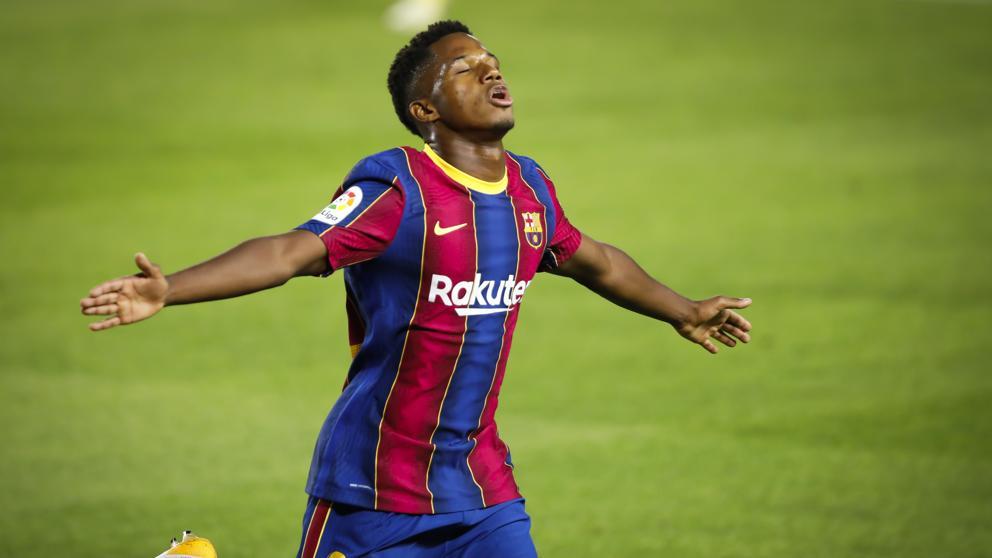 Ansu Fati là một trong bốn cầu thủ được Chủ tịch Bartomeu xếp vào diện không thể đụng đến ở Barca trong cuộc tái thiết hè 2020. Ảnh: Llibert.