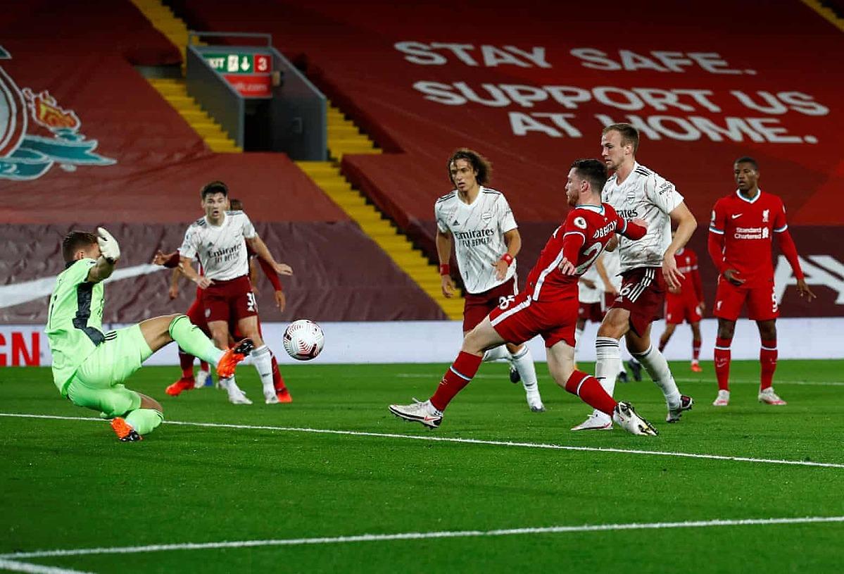 Robetson (phải) ghi bàn nâng tỷ số lên 2-1 cho Liverpool. Ảnh: AFP.