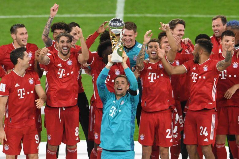 Bayern đoạt danh hiệu thứ năm trong mùa 2019-2020, và chỉ còn FIFA Club World Cup là bắt kịp cú ăn sáu của Barca mùa 2008-2009. Ảnh: Reuters.