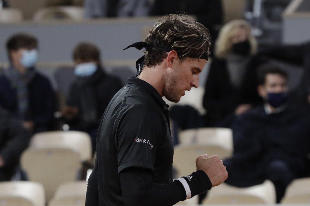 Thiem là tay vợt thứ tám vào tứ kết Roland Garros năm lần liên tiếp. Ảnh: AP.