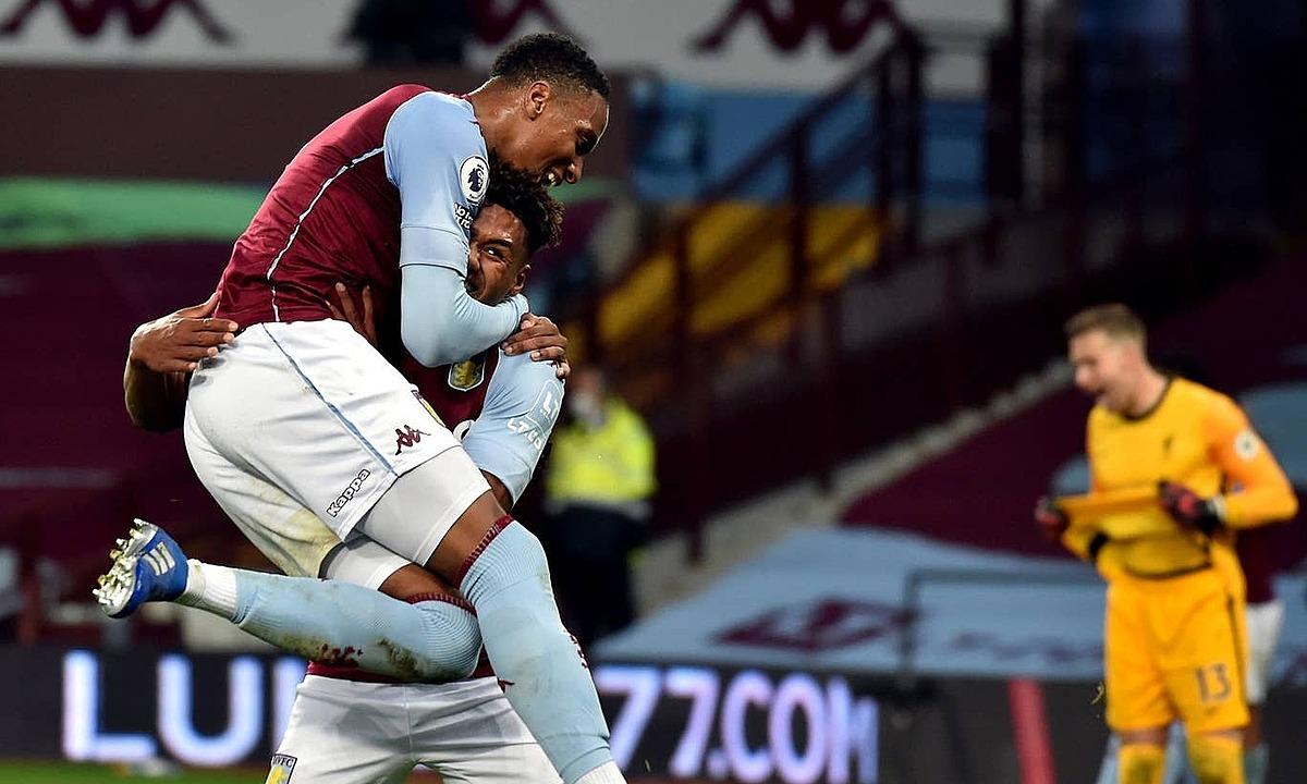 Aston Villa (trái) duy trì mạch toàn thắng ở Ngoại hạng Anh mùa này. Ảnh: PA