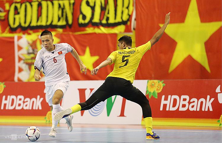 Vượt qua Malaysia với tỷ số 4-2 không đủ giúp Việt Nam tránh được Thái Lan ở bán kết. Ảnh: Đức Đồng.