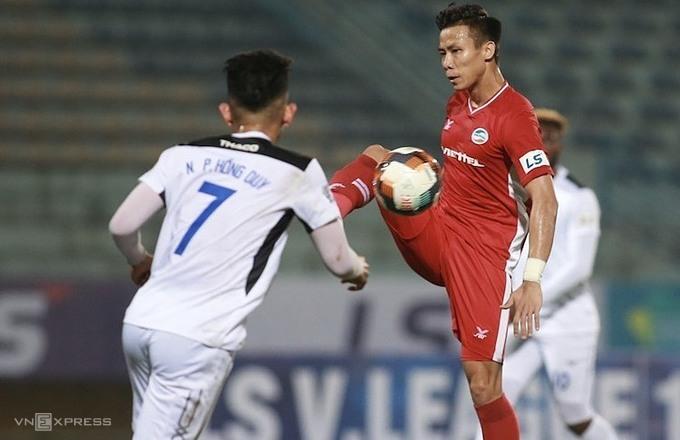 Viettel và HAGL hào 3-3 trong trận đấu tại Hàng Đẫy ở vòng hai, với bốn bàn thắng được ghi sau phút 80.