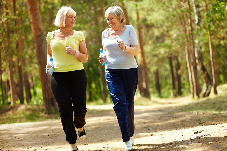 Người cao tuổi nên lắng nghe cơ thể, không chạy quá sức.