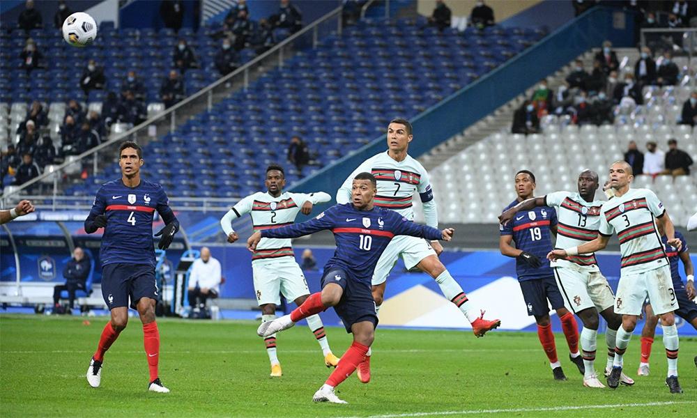 Pháp và Bồ Đào Nha đều không ghi được bàn thắng, dù tạo ra rất nhiều cơ hội trên sân Stade de France hôm 11/10. Ảnh: LÉquipe