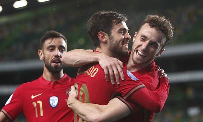 Bồ Đào Nha củng cố vị trí dẫn đầu bảng bằng trận thắng đậm. Ảnh: AP.