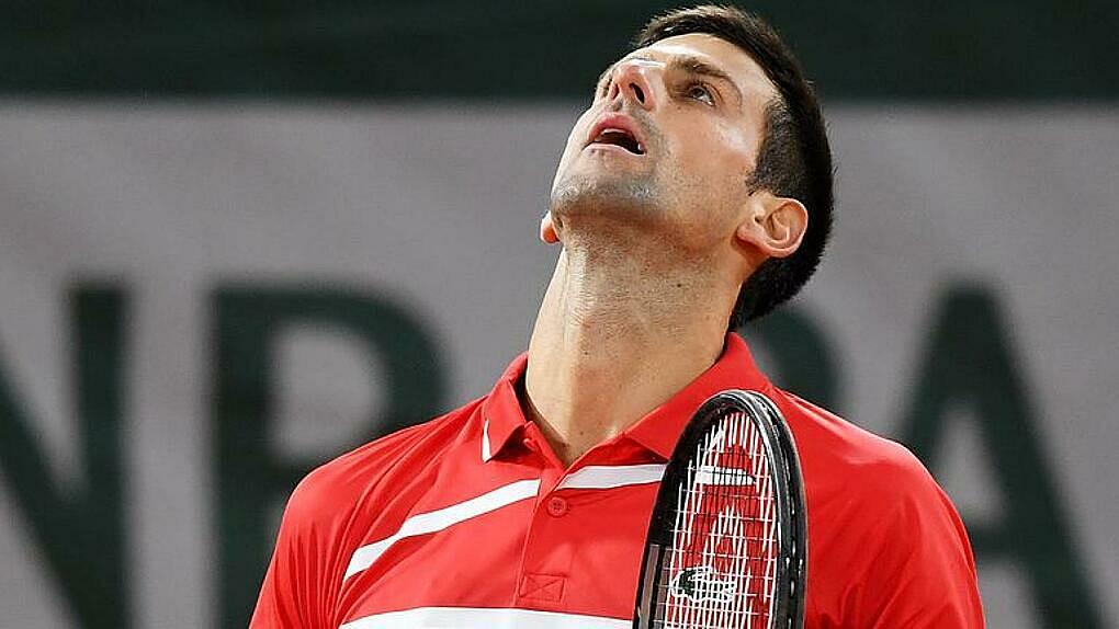 Các chuyên gia cho rằng Djokovic quá hiền ở chung kết Roland Garros. Ảnh: AP.