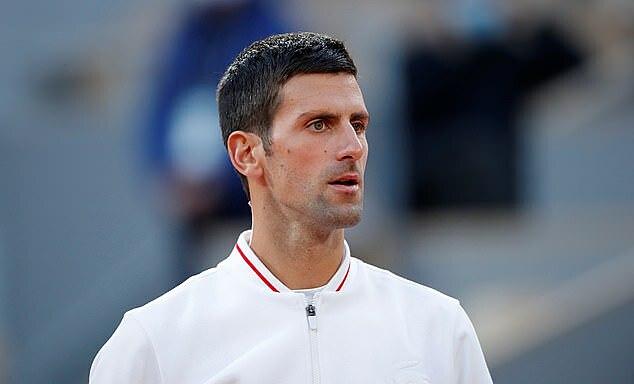 Djokovic hiện có 17 Grand Slam, kém ba so với Federer và Nadal. Ảnh: Reuters.