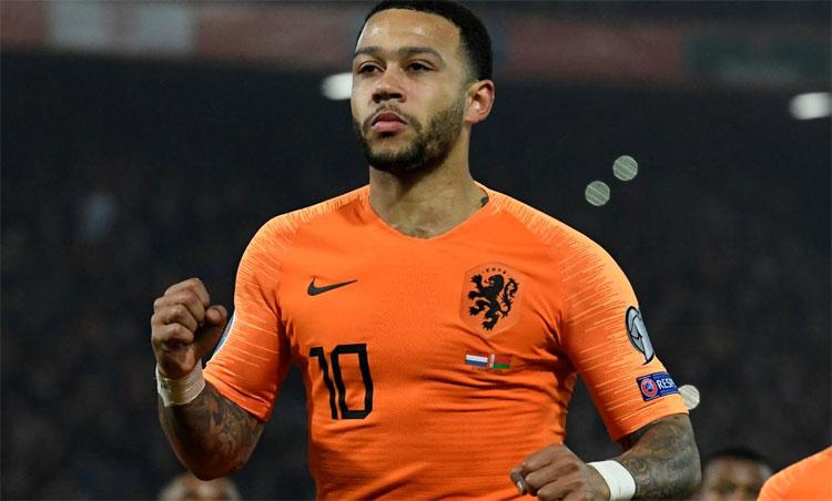 Depay là trò cưng một thời của Koeman ở tuyển Hà Lan. Ảnh: Reuters.
