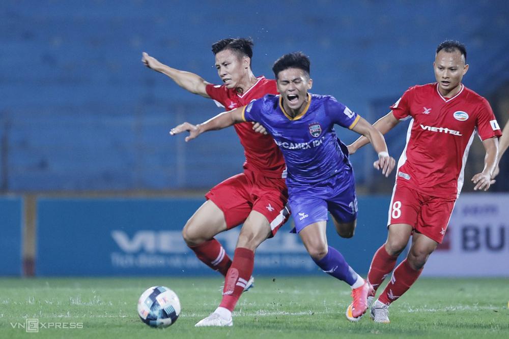 Viettel đánh bại Bình Dương 1-0 để duy trì vị thế dẫn đầu V-League 2020.