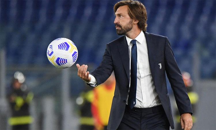 Pirlo chưa từng làm HLV bóng đá đỉnh cao trước khi nhận lời Juventus, giống Guardiola tại Barca năm 2008. Ảnh: Reuters.