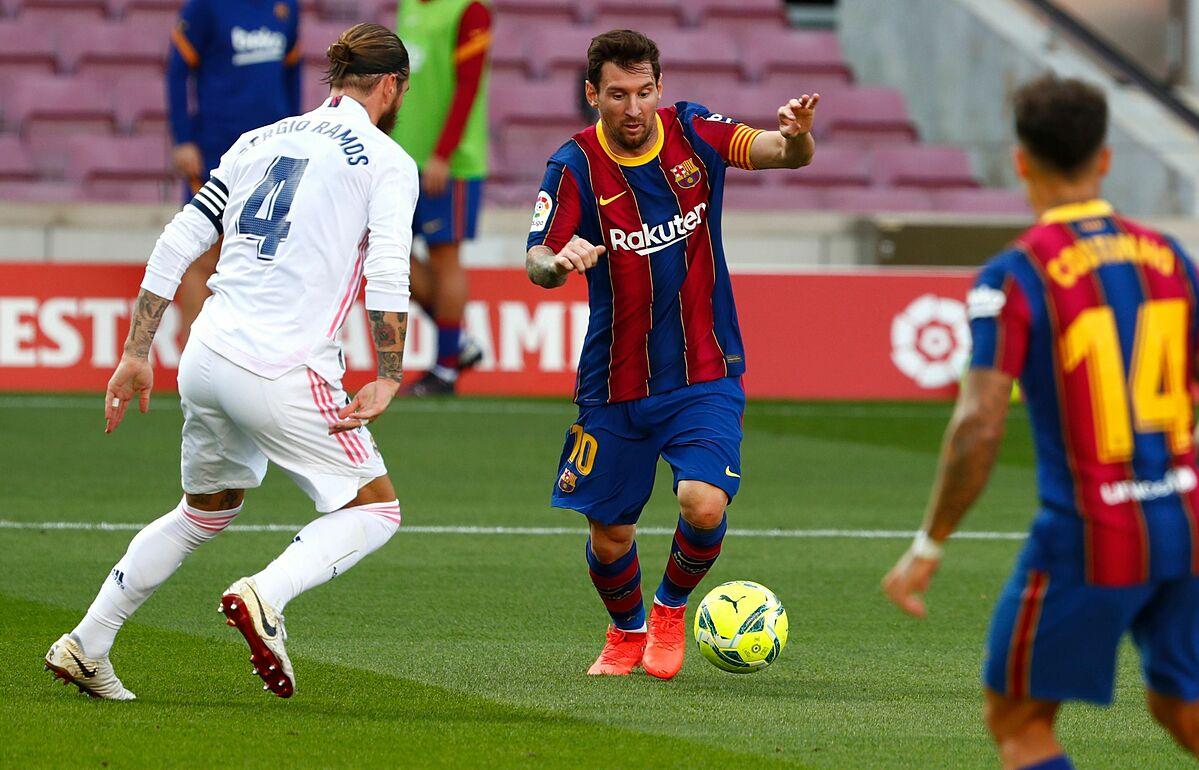 Messi (giữa) không ghi bàn lẫn kiến tạo ở sáu trận El Clasico gần nhất. Ảnh: AP