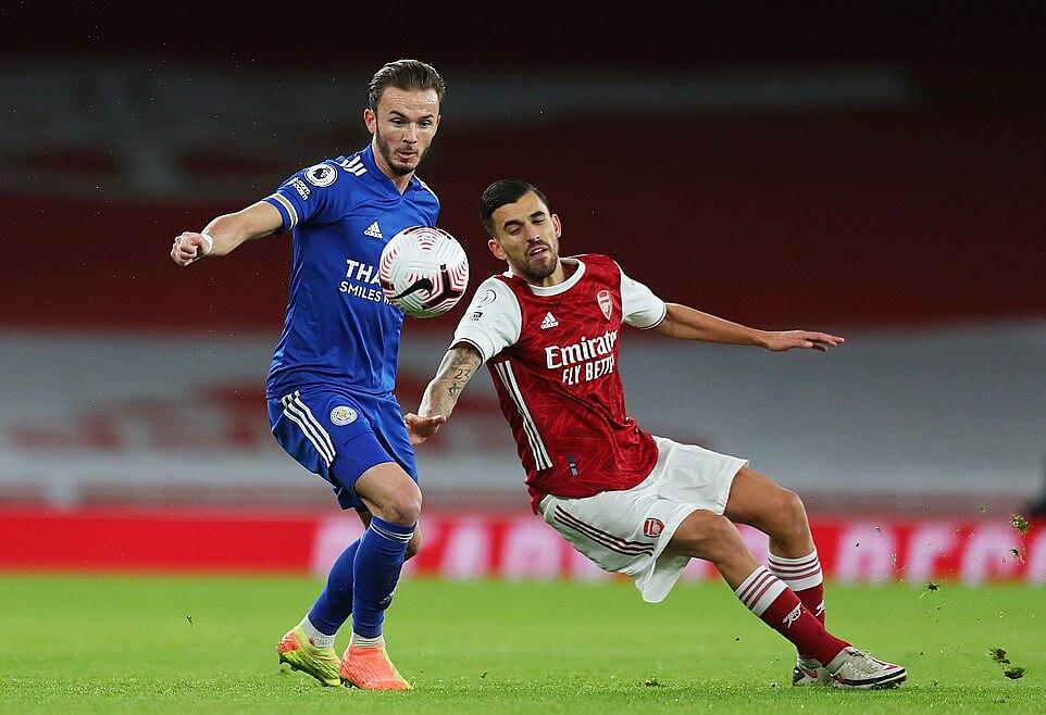 Maddison (trái) lần đầu đá chính mùa này và chơi 85 phút. Ảnh: Reuters.