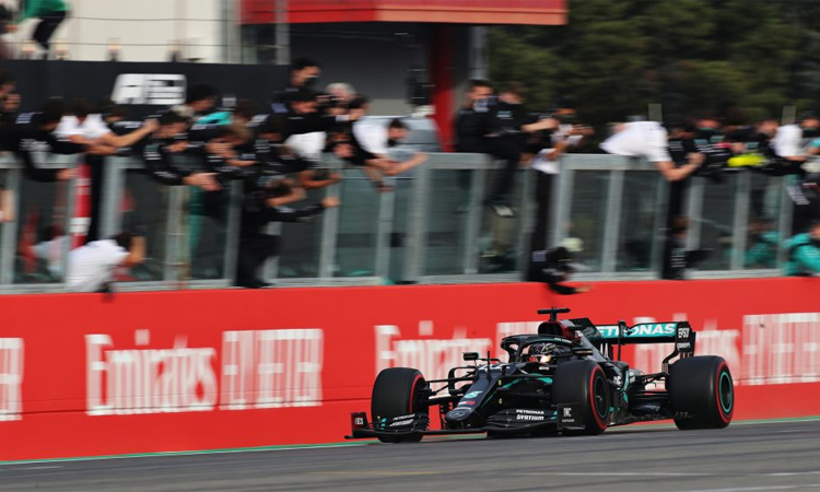 Bản lĩnh một lần giúp Hamilton vượt khó để về nhất. Ảnh: Formula 1.