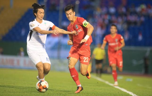 Tuan Anh และเพื่อนร่วมทีมแพ้นัดต่อไปใน V-League 2020 รูปภาพ: Le Dinh Cong