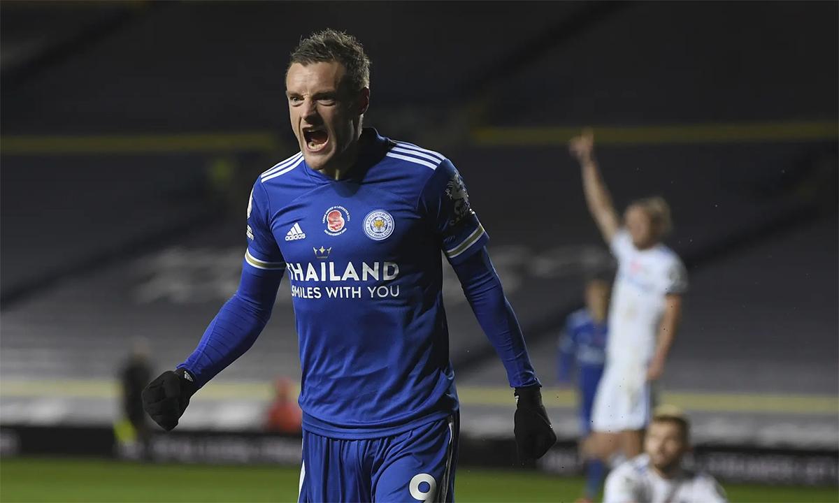 Vardy mừng bàn nâng tỷ số lên 3-1 cho Leicester City. Ảnh: AP