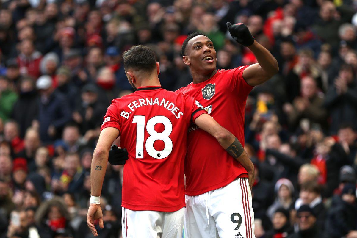 Sự góp mặt của Martial (phải) sẽ giúp Man Utd có nhiều lựa chọn trên hàng công. Ảnh: WorldSport.
