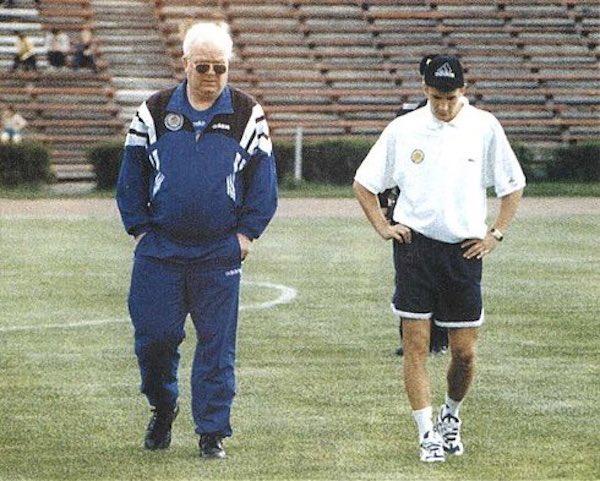 Lobanovskyi (ซ้าย) เข้มงวดกับ Shevchenko มากในช่วงต้นอาชีพของเขา