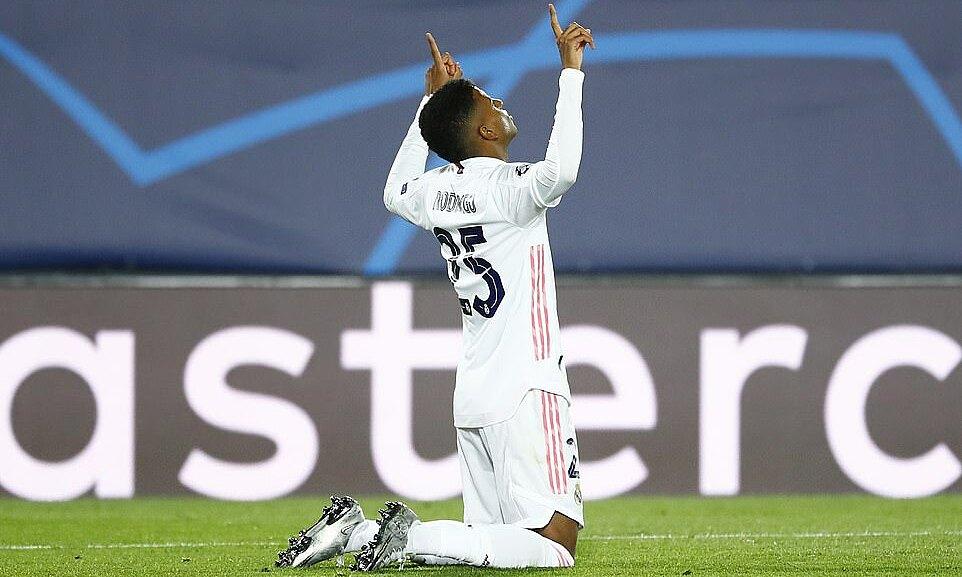 Rodrygo mừng bàn thắng đầu tiên kể từ ngày 6/2/2020. Ảnh: Reuters